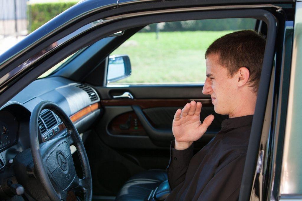 Nhận biết 4 loại mùi ô tô cháy khét và hướng giải quyết